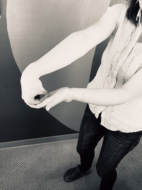 Workplace exercise - Forearm extensor stretch